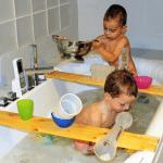Divierte a tus pequeños con estos juegos para la bañera