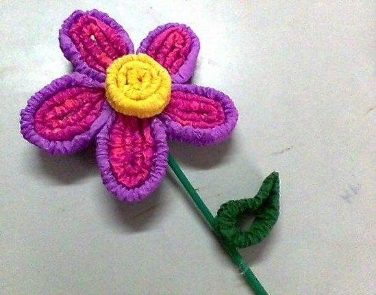 Flores con papel crepé