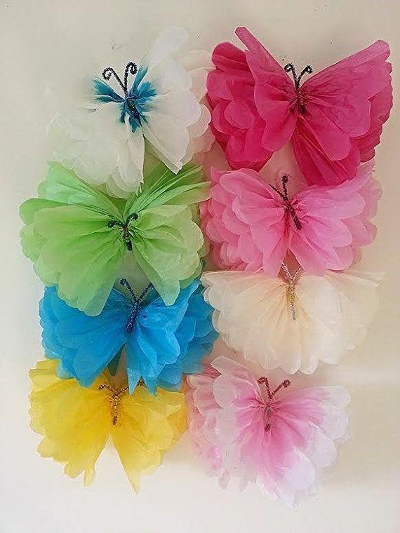 Mariposa con papel crepé